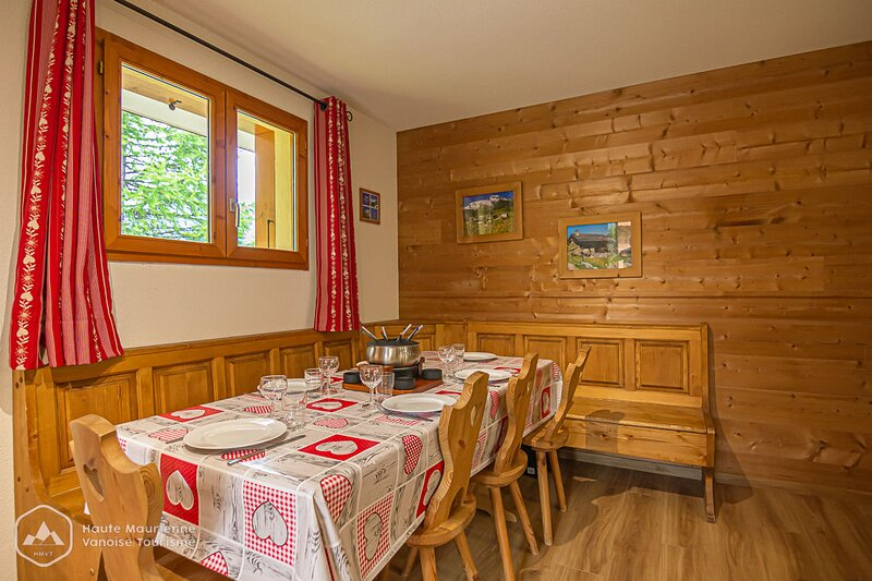 Apartment - 200 m from the slopes, holiday rental in Modane