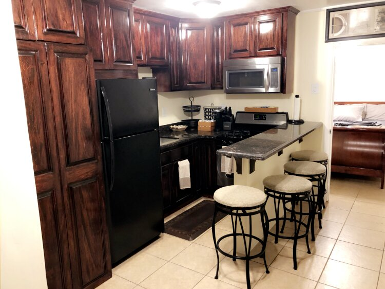 3mins to Airport/Fort Bliss-Pet Friendly-Washer & Dryer, holiday rental in Santa Teresa