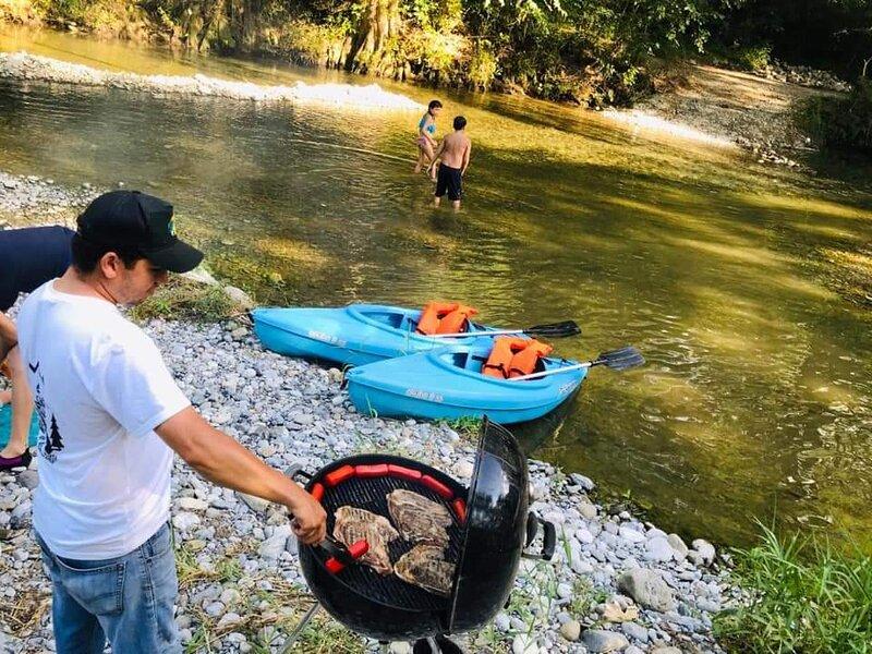 Les ofrecemos aventura al aire libre en cuatrimotos kayak y acampar, location de vacances à Allende