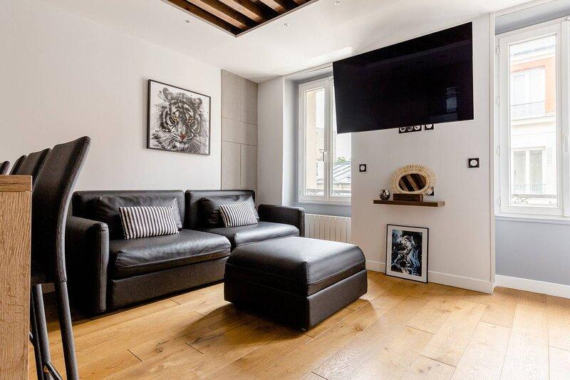 High standing apartment near Porte de Versailles, casa vacanza a Vanves