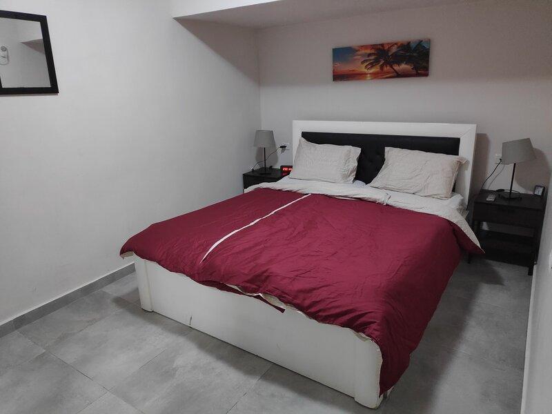 2 BD Luxurious Vacation Suite on Lachish, location de vacances à Beit Shemesh