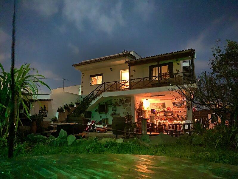 El Sueño de Mamá. Asociación Sociocultural y Casa Rural. Grupos y Familia., holiday rental in Guamasa