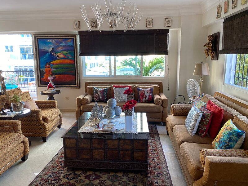 Santo Domingo beautiful apt in exclusive area, alquiler de vacaciones en Santo Domingo