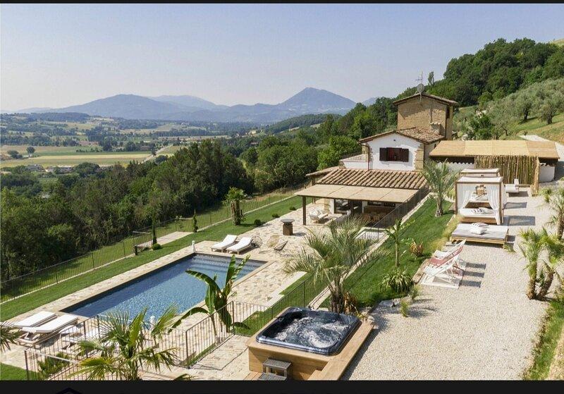 Destino luxury house, location de vacances à Montone