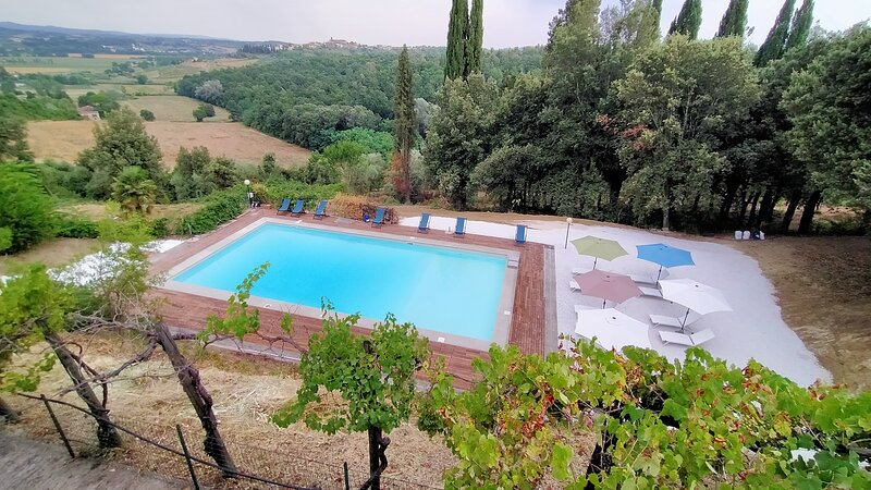 Casa Beppe  is located within the grounds of the historic Villa Meleto, location de vacances à Castelfiorentino