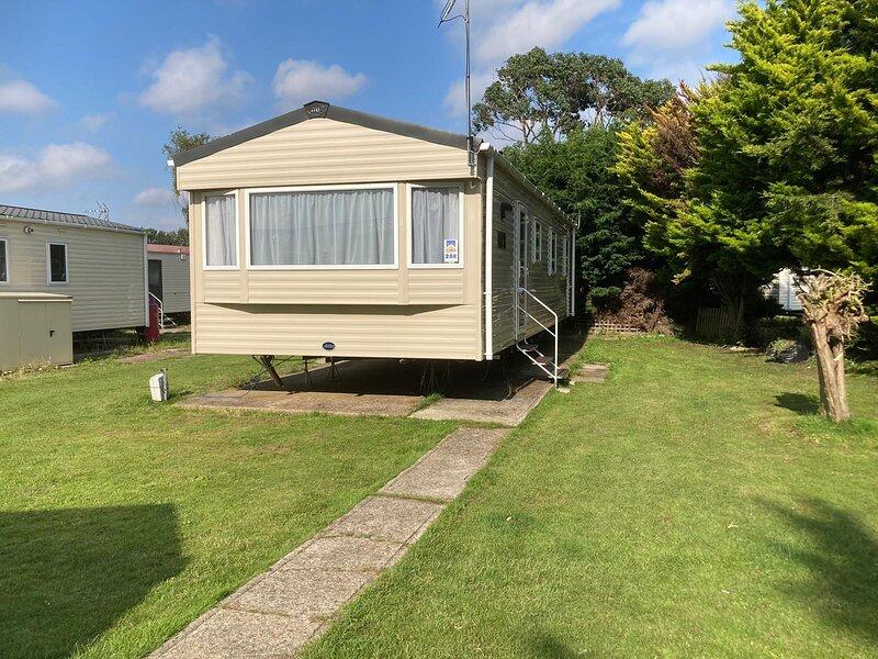 Beautiful 8 berth caravan at Seawick Holiday Park in Essex ref 27028R, location de vacances à Brightlingsea