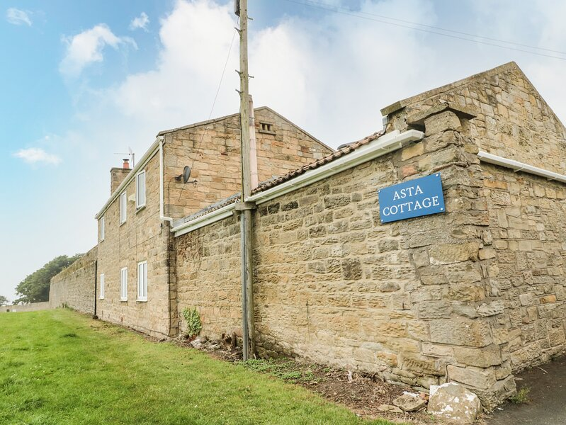 ASTA COTTAGE, Cresswell, holiday rental in Woodhorn