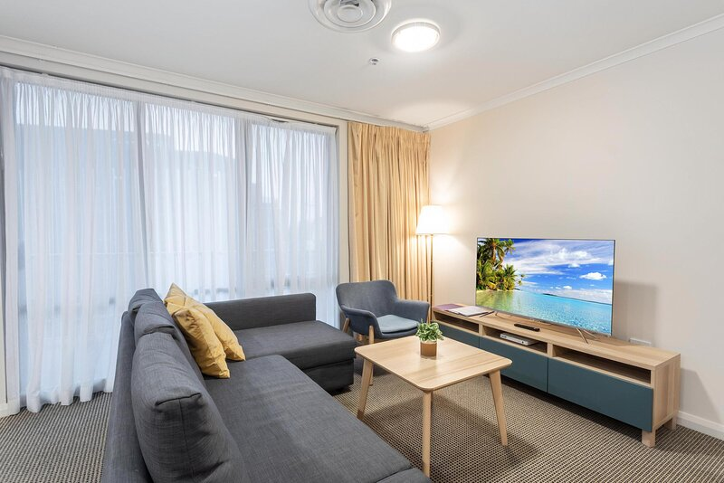 Family Unit with Resort Facilities in Lively CBD, holiday rental in Australian Capital Territory