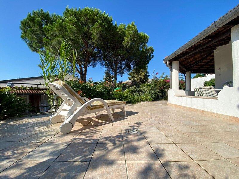Falcone VIlletta con giardino, holiday rental in Tripi