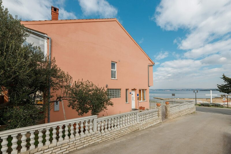 Apartman Pandula, Tkon, island Pašman, near the beach, holiday rental in Tkon