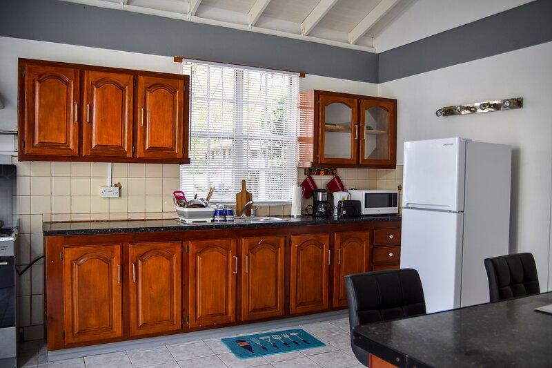 Green Castle Apartment #2 In Roseau, location de vacances à Roseau