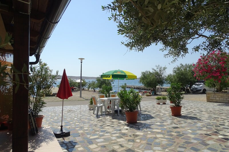 Apartments Vivien Kustici  -  A3 Bungalow - up to 3 persons, holiday rental in Kustici