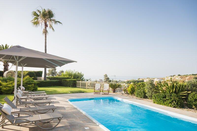 Malena Villa, beach retreat!, vacation rental in Stavromenos Rethymnis