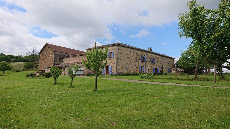 Gîte 6/7 personnes, Peyrecout - Les Grivats, holiday rental in Bor-et-Bar