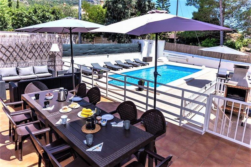 Villa Montesol, lujo junto a Gandia, holiday rental in Barx