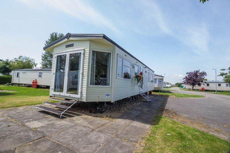 Lovely 6 berth caravan for hire at Southview Holiday Park in Skegness ref 33011C, aluguéis de temporada em Burgh le Marsh
