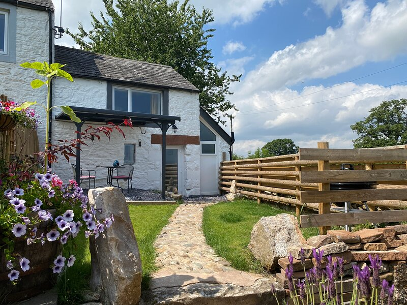 Delightful One Bed Lake District Cottage., holiday rental in Brougham