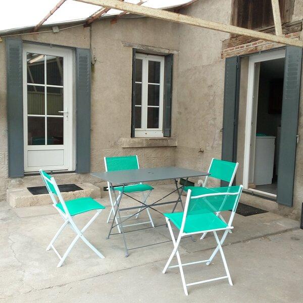 Maison 2 chambres wifi gratuit, casa vacanza a Vailly-sur-Sauldre
