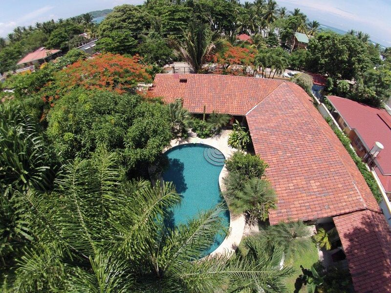 Luxory Villa Kamar in the cente almost front of the ocean 5 bedrooms 5 bathrooms, holiday rental in Playa Samara