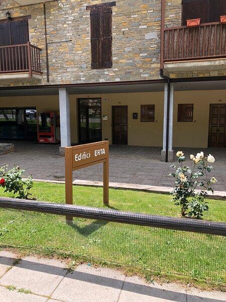 Oferta Ultimo momento Agosto 2021 triplex Vall De Boi (Pla Del' Ermita), alquiler vacacional en Altron