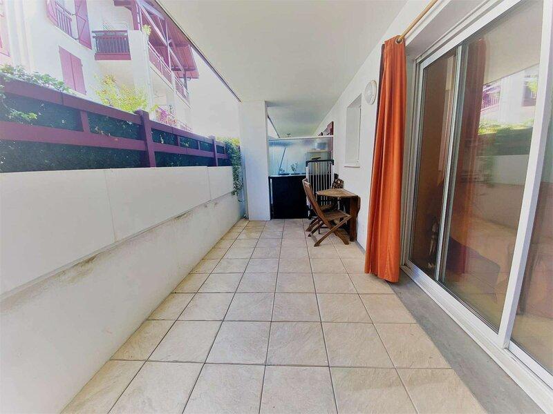 BAKARA appartement proche frontière, holiday rental in Irun