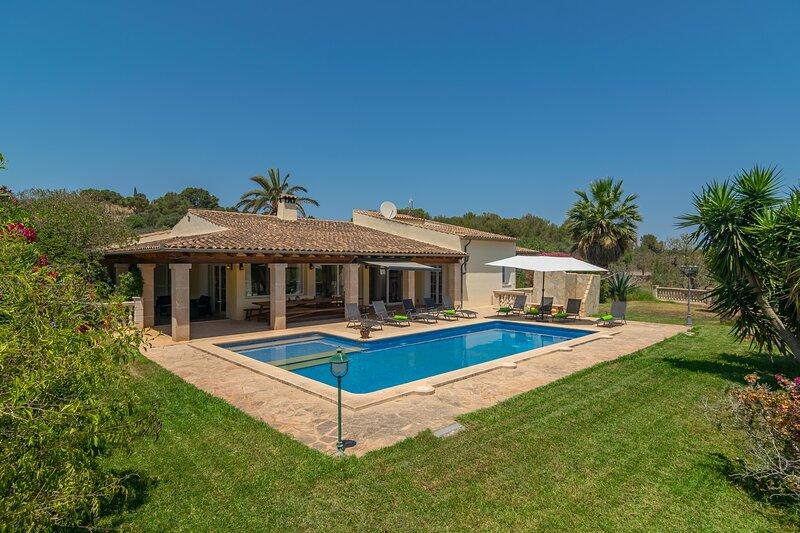 CA NA MARGALIDA - Villa for 10 people in Cala Murada, alquiler de vacaciones en Cala Murada