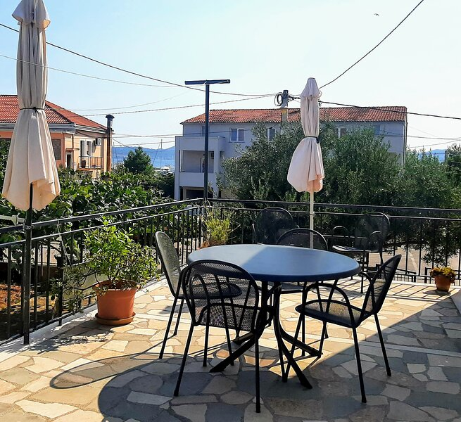Apt sunny daze borik, holiday rental in Zadar