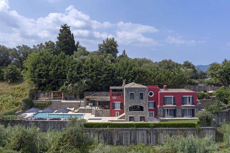 Villa Antonella by Olive Villa Rentals, holiday rental in Gouvia