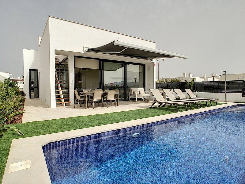 Villas Alamos - 4509, holiday rental in Los Nietos
