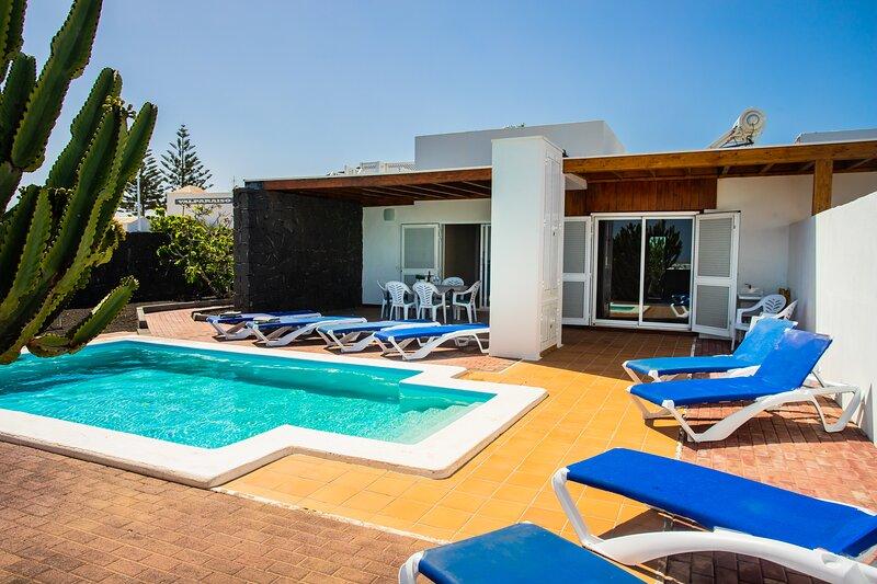 Villa Aleksandra, holiday rental in Playa Blanca