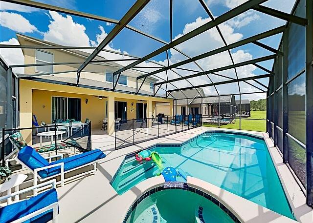 Emerald Island Estate | Private Pool, Spa & Game Room | 15 Min to Disney, alquiler de vacaciones en Orlando