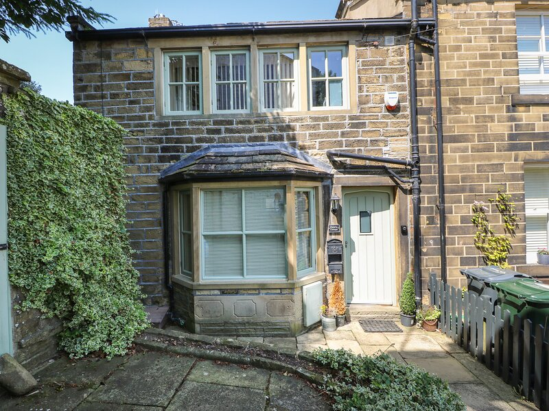 Chloe's Cottage, Haworth, holiday rental in Laycock