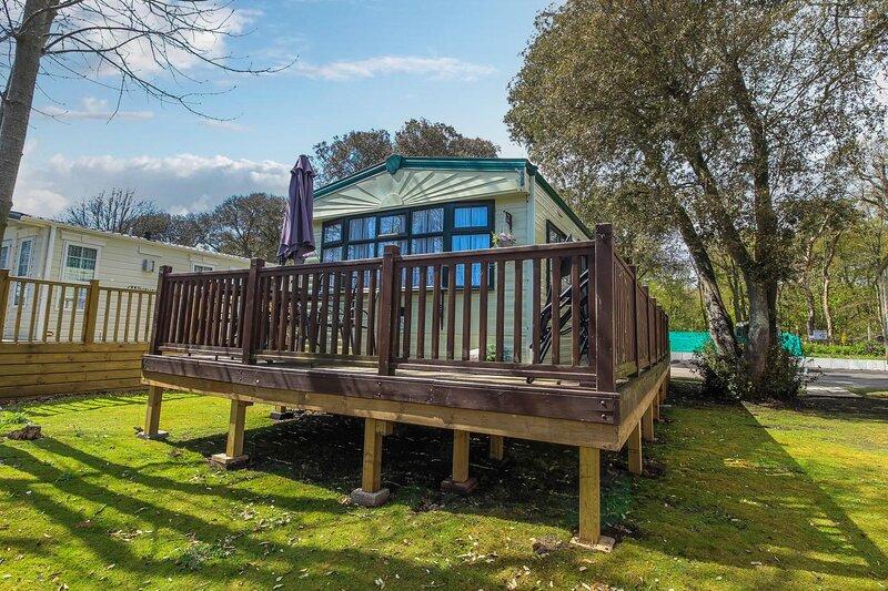 Great dog friendly caravan for hire in Suffolk at Azure Seas ref 32021AS, location de vacances à Corton