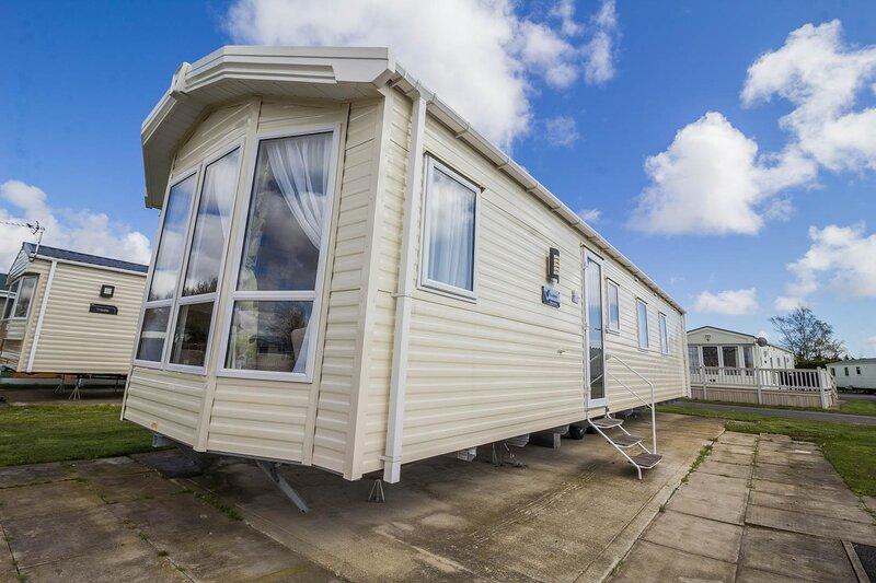 Beautiful caravan for hire at Southview Holiday Park in Skegness ref 33014O, aluguéis de temporada em Burgh le Marsh