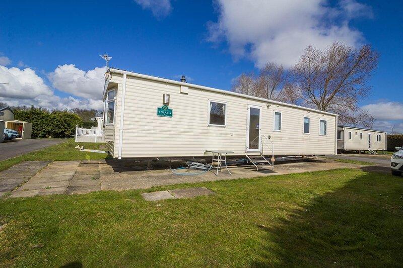 Spacious 8 berth caravan at Southview Holiday Park near Skegness ref 33018ML, casa vacanza a Burgh le Marsh