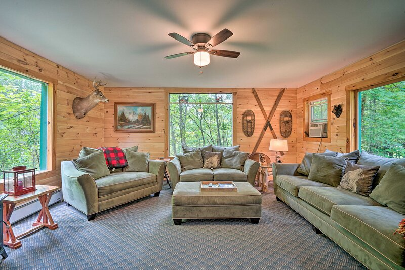NEW! Spacious Cabin on 7 Private Acres in Athol!, casa vacanza a Bakers Mills