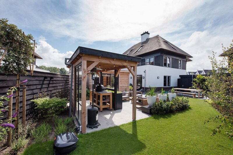 Relaxed Home with bbq near beach Den Haag, holiday rental in Delft