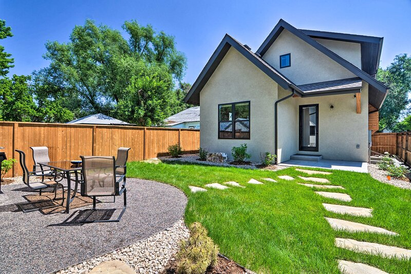 NEW! Chic Fort Collins Abode: < 1 Mi to Old Town!, vacation rental in Livermore