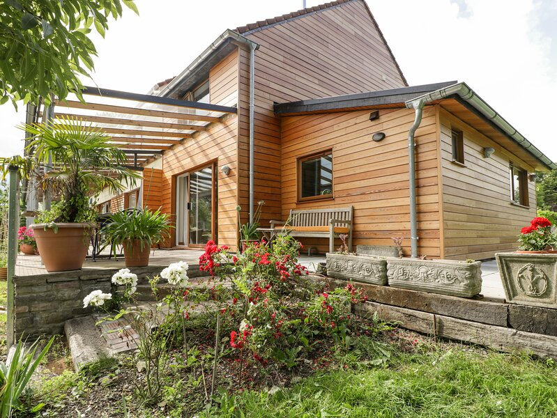Hide on the Hill, Wedmore, holiday rental in Westbury-sub-Mendip