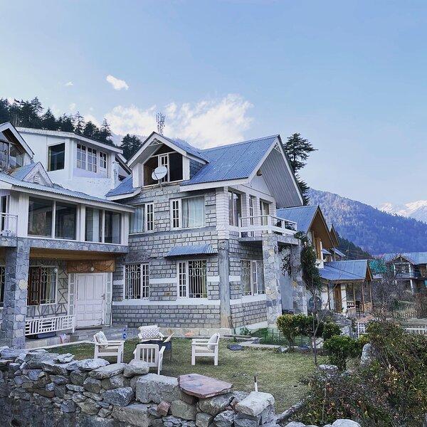 Westwood Villa by Eden Homes, vacation rental in Burua