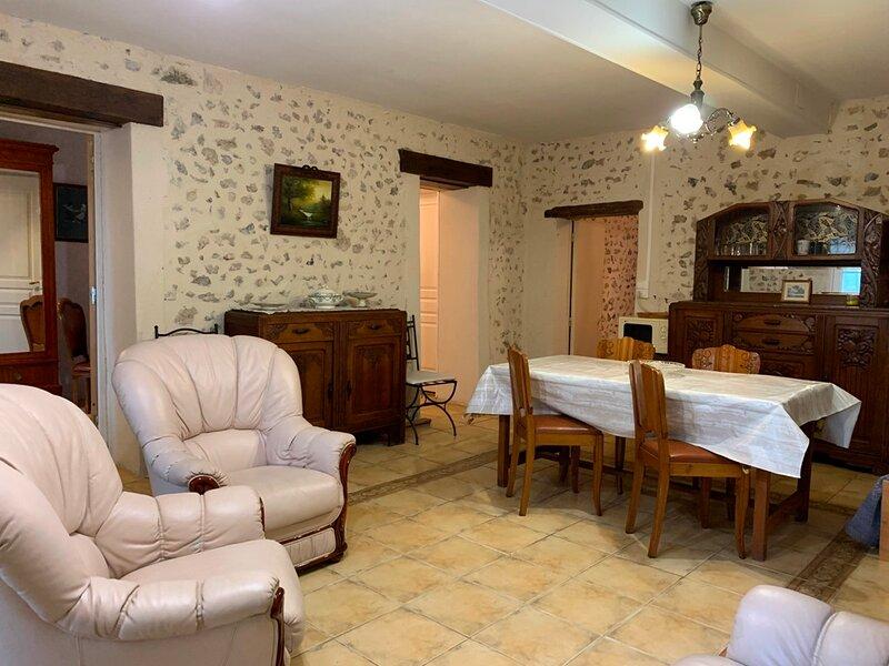 Gite de la Ferme entre Gien et Briare, holiday rental in Nevoy