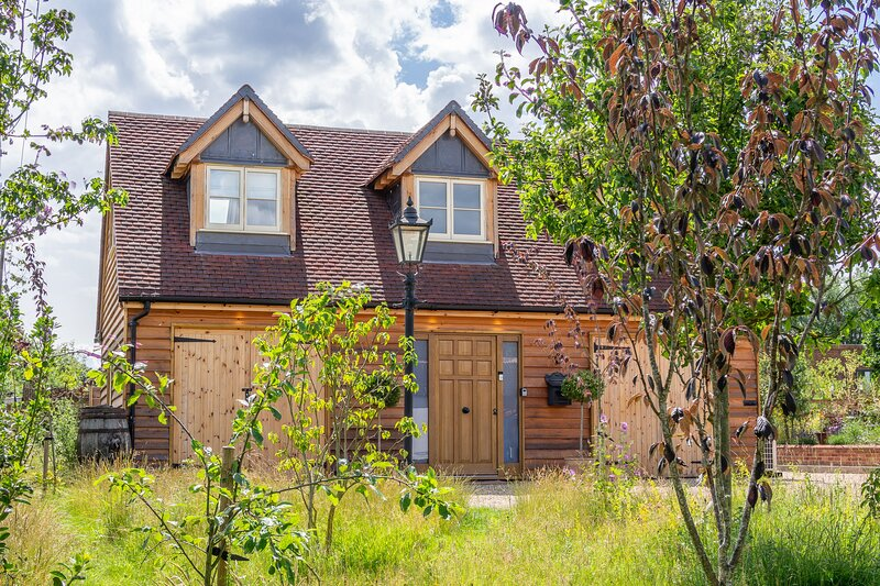 The Lodge, Rivendell, holiday rental in Buxhall