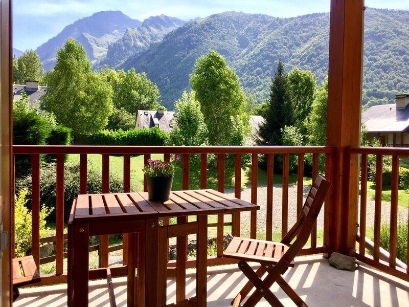 Appartement Terrasse Les Edelweiss - Chèques vacances ANCV acceptés, holiday rental in Loudervielle