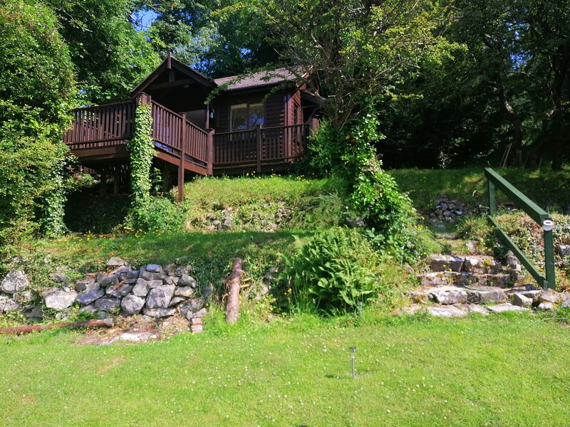 Rookery Nook Cabin in the Trees, holiday rental in Axton