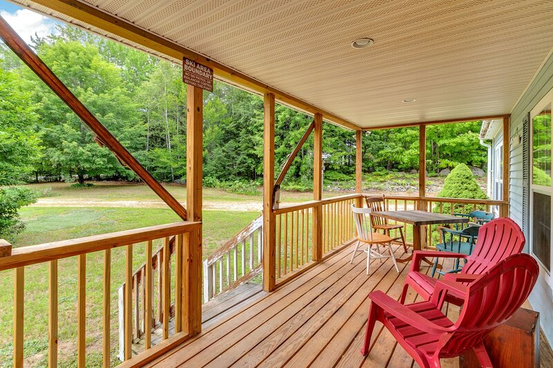 Chandler Hill Base Camp - Enjoy A Nature Getaway in this Rustic Home in the, vacation rental in Bethel