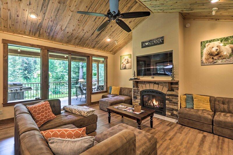 Bigfork Modern Living - Pet & Family Friendly!, vacation rental in Bigfork