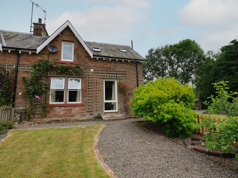 Lucy's cottage, Langholm, holiday rental in Canonbie