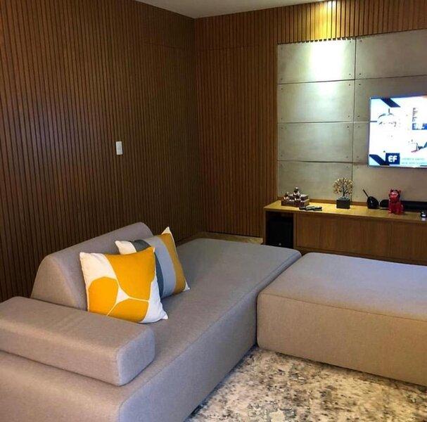 Apartamento super legal com 3 dormitórios no décimo terceiro andar com uma vista, holiday rental in Valinhos