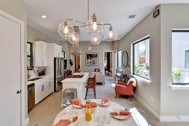 Midcentury Luxury Masterpiece | Outdoor Deck, alquiler vacacional en Cedar Creek