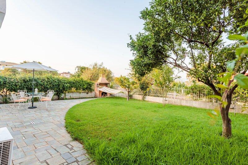 Casa Nebari Seaside Suite-Airy Garden,Ideal Spot, holiday rental in Kalamaki